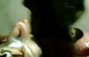जानेमन सुडौल समलैंगिक कैंची के साथ ब्लू इंग्लिश सेक्सी मूवी जुनून