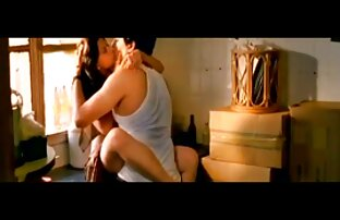 गांठदार चेक इंग्लिश सेक्स मूवी हिंदी में किशोर दोपहर में उसे मिठाई योनी के साथ खेलता है