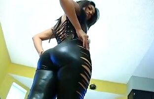 लैटिना टीएस उसे मुर्गा और इंग्लिश सेक्स फिल्म वीडियो खिलौने उसे गधा